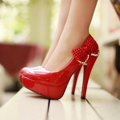十二星座女穿上高跟鞋的心情